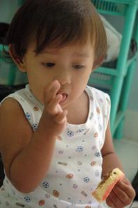 kintan makan bolu