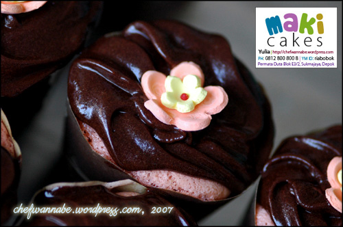 Maki Cakes - Cupcake Chocolate Strawberry