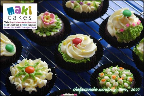 makicakes-cupcake-garden.jpg