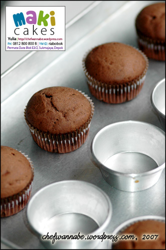 Chocolate Cupcake from Oven - Maki Cakes