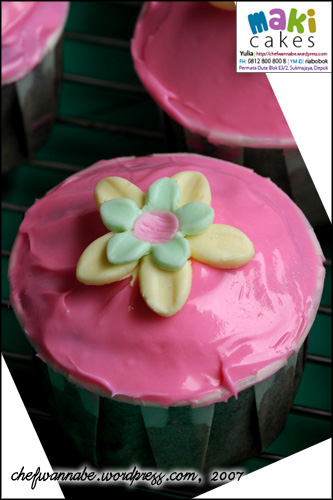 pinky-cupcake.jpg