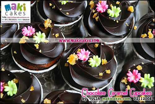 chocolate-caramel-cupcakes__-maki-cakes