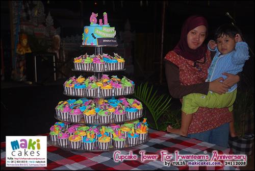 cupcake-tower-for-irwanteam-hairdesigns-anniversary__-maki-cakes