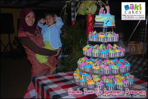 cupcake-tower-for-irwanteam-hairdesigns-anniversary___-maki-cakes