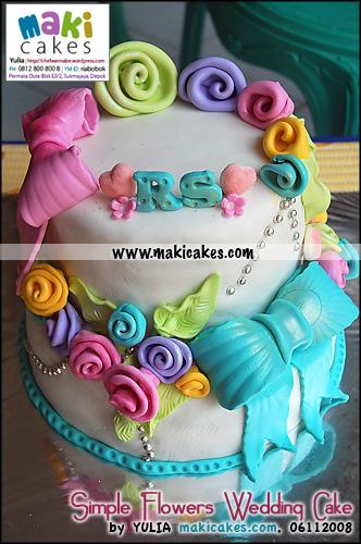 simple-flowers-wedding-cake-maki-cakes