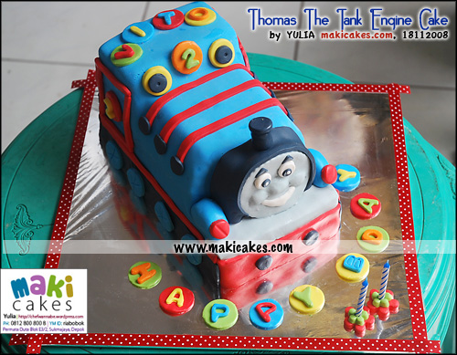 thomas-the-tank-engine-cake-for-vito_-maki-cakes