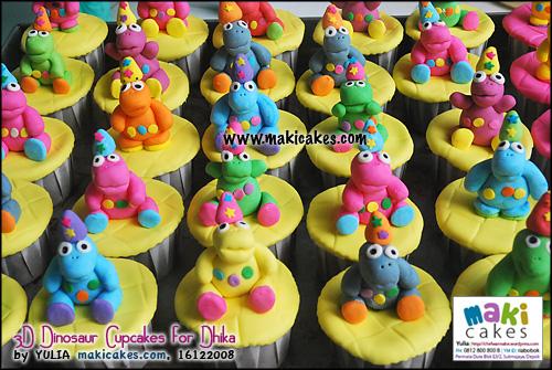3d-dinosaur-cupcakes-for-dhika-maki-cakes