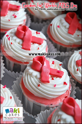 cupcakes-for-worlds-aids-day-maki-cakes