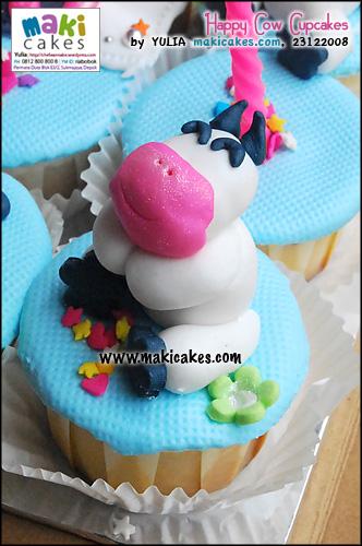 happy-cow-cupcakes__-maki-cakes