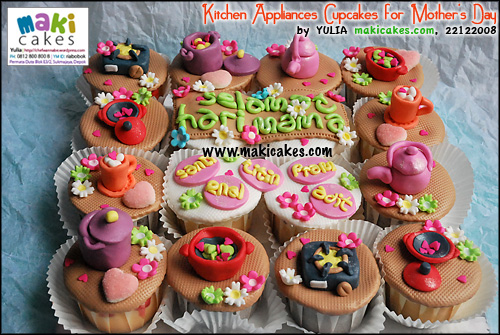 kitchen-appliances-cupcakes-for-mothers-day_all-maki-cakes