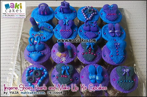 lingerie_shoes_pearls_and-make-up-kit-cupcakes-maki-cakes
