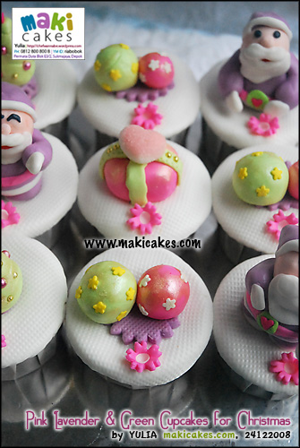 pink-lavender-green-cupcakes-for-christmas_-maki-cakes