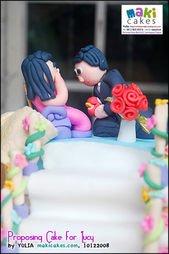 proposing-cake-for-lucy-__-maki-cakes