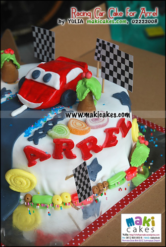 images of cars cakes. racing-car-cake-for-arrel-maki