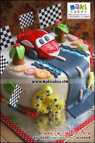 racing-car-cake-for-arrel_-maki-cakes