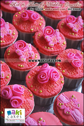 red-butterfly-wedding-cupcakes_-maki-cakes