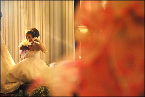 square-pink-purple-wedding-cupcakes_bride-maki-cakes