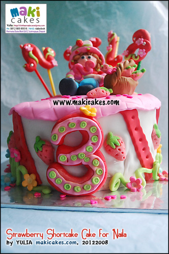 strawberry-shortcake-cake-for-naila-maki-cakes