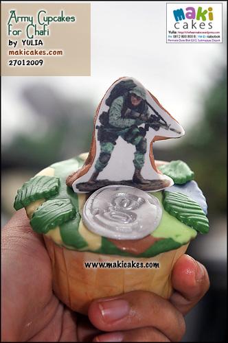 army-cupcakes-for-ghafi__-maki-cakes