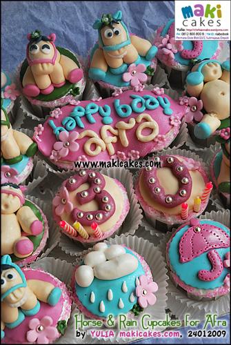 horse-rain-cupcakes__-maki-cakes