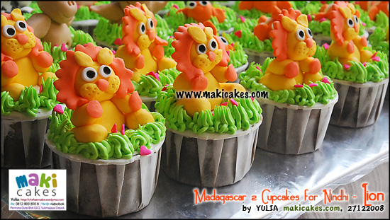 madagascar-2-cupcakes-for-nindhi_lion-maki-cakes
