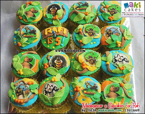 madagascar-2-cupcakes-for-rafi-maki-cakes