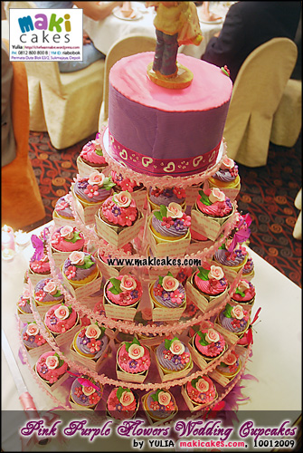 pink-purple-flowers-wedding-cupcakes-maki-cakes