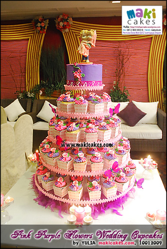 pink-purple-flowers-wedding-cupcakes__-maki-cakes