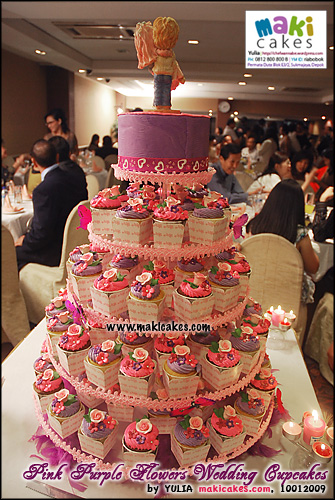 pink-purple-flowers-wedding-cupcakes___-maki-cakes