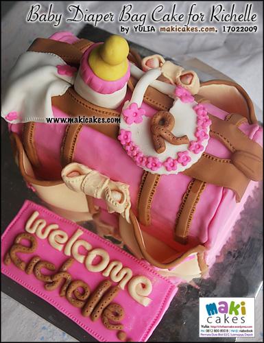baby-diaper-bag-cake-dor-richelle__-maki-cakes
