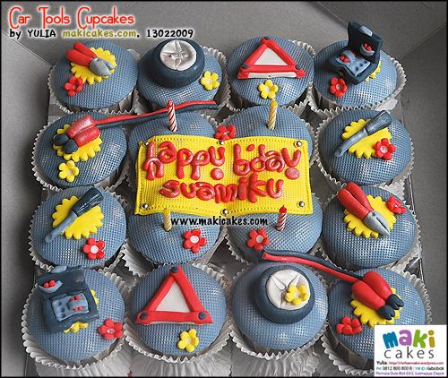 car-tools-cupcakes-maki-cakes