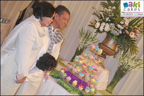 colorful-cupcakes-in-tiers_vitri-maki-cakes