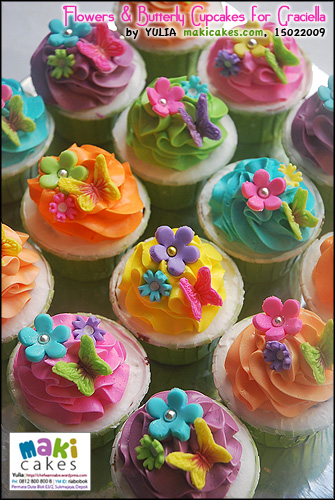 flowers-butterfly-cupcakes-for-graciella-maki-cakes