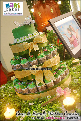green-butterfly-wedding-cupcakes-maki-cakes