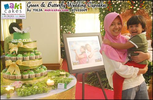 green-butterfly-wedding-cupcakes_mama-kintan-maki-cakes