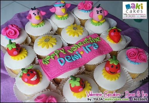 valentine-cupcakes-_-dewi-ira-maki-cakes
