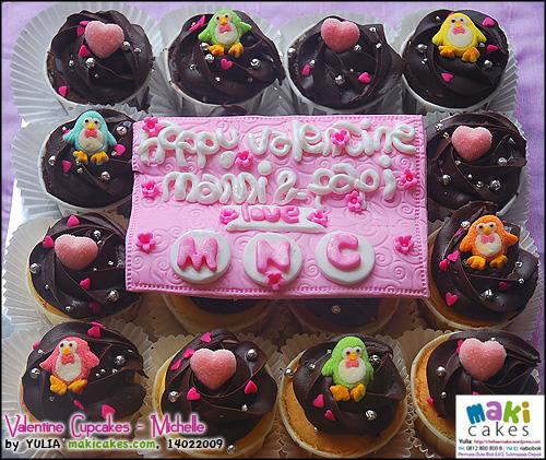 valentine-cupcakes-_-michelle-maki-cakes