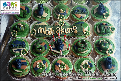 army-cupcakes-for-mbah-akung-maki-cakes