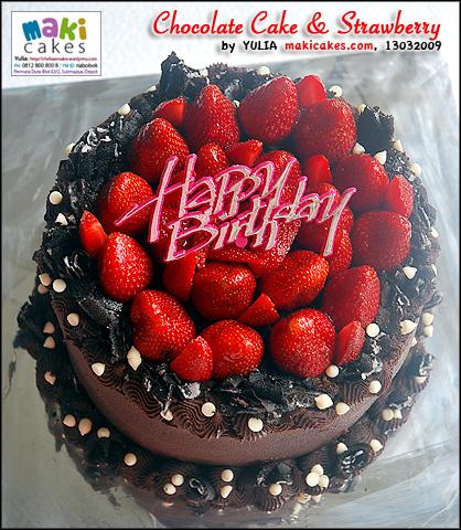 chocolate-cake-strawberry-maki-cakes