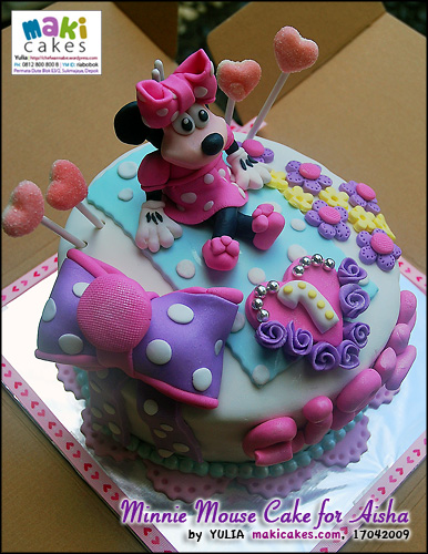 minnie-mouse-cake-for-aisha-maki-cakes