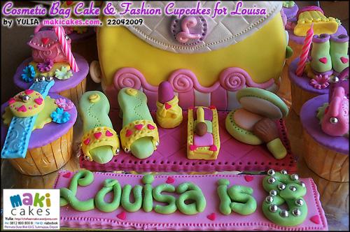 Cosmetic Bag Cake & Fashion Cupcakes for Louisa__ - Maki Cakes