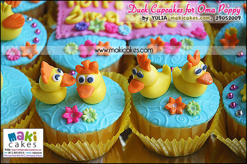 Duck Cupcakes for Oma Poppy__ - Maki Cakes