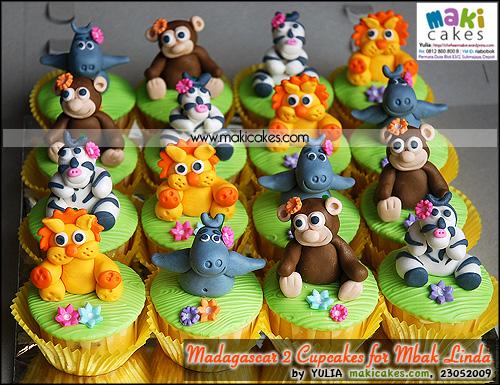 Madagascar 2 Cupcakes for Mbak Linda - Maki Cakes