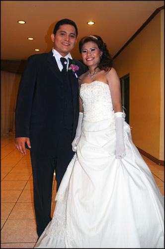 Purple Wedding Cupcakes_ pengantinnya - Maki Cakes