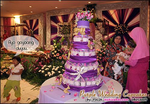 Purple Wedding Cupcakes_ selingan hiburan - Maki Cakes