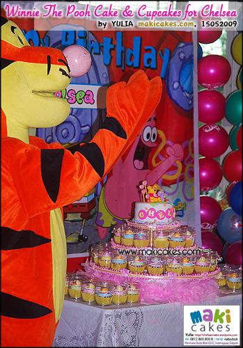Winnie The Pooh Cake & Cupcakes for Chelsea - Maki Cakes