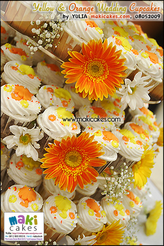 Yellow & Orange Umbrella Wedding Cupcakes___ - Maki Cakes