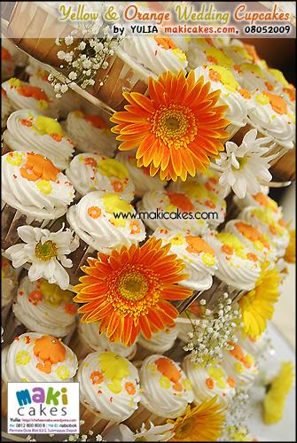 Yellow & Orange Umbrella Wedding Cupcakes___ - Maki Cakes