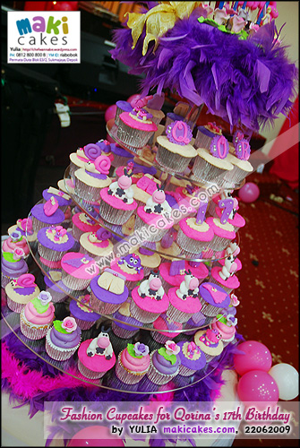 Fashion Cupcakes for Qorina Sweet Seventeen Birthday__- Maki Cakes
