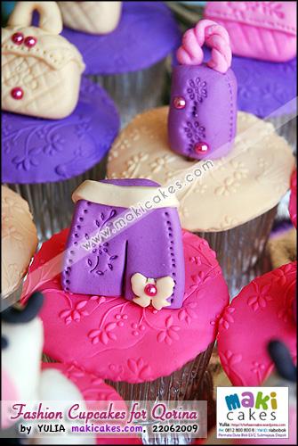 Fashion Cupcakes for Qorina_ short pants - Maki Cakes